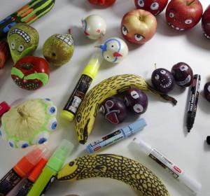 Ożywione owoce i warzywa.