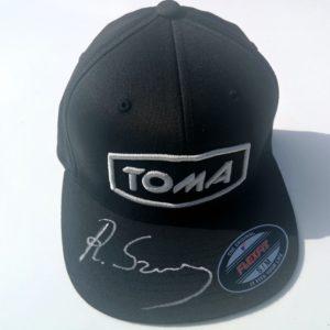 Kolekcjonerska czapka z autografem Romana Szymańskiego
