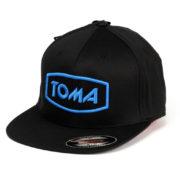 TOMA_czapka_niebieskie logo ww